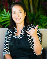 TOMIKO ISOGAI ウエディングブーケはハワイの花屋FLOWER SHOWER DESIGNへ